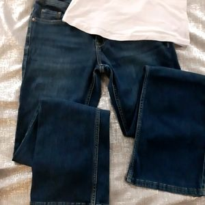 5/$25🎉 Lee Brand Womens Size 4 Jeans